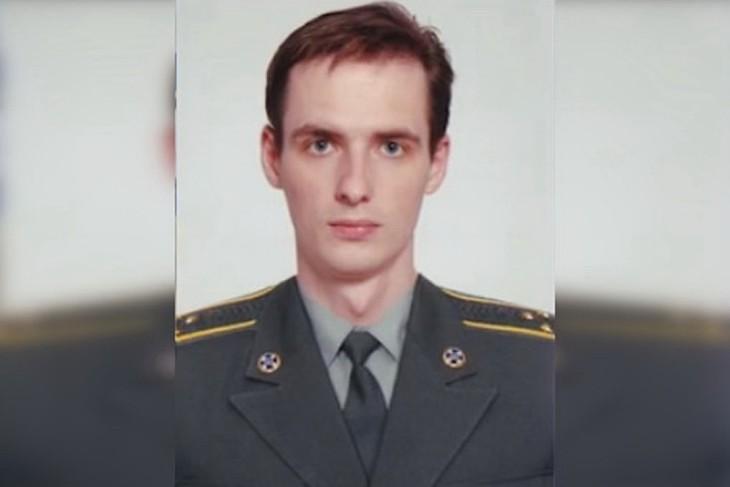 38-летний Максим Мигаль известен своей склонностью к пыткам и садизму, непосредственно на линии разграничения занимается проведением фильтрацией и вербовкой. Фото: youtube.com/ГТРКЛНР